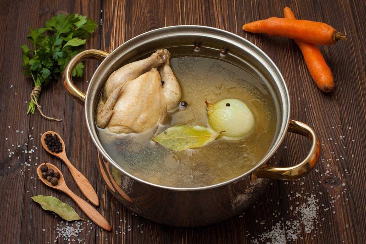 Наваристый бульон из суповой курочки