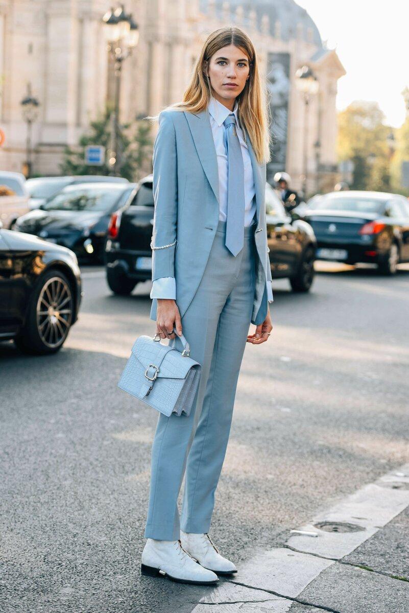 В таком наряде можно ходить не только на работу, но и на деловые встречи. /Фото: i.pinimg.com