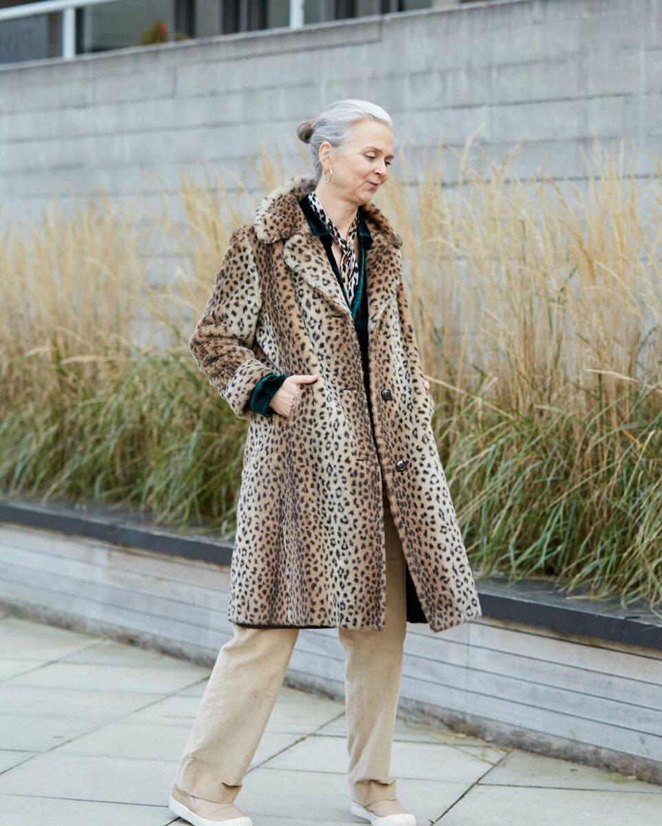 @thatsnotmyage / Специальные шейные платки отличается по размерам от стандартных. /Фото: instagram.com