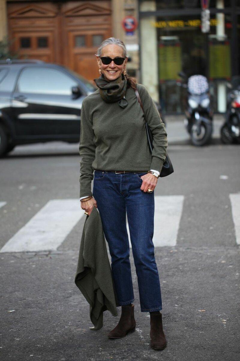 Практичные джинсы актуальны в любом возрасте. /Фото: i.pinimg.com