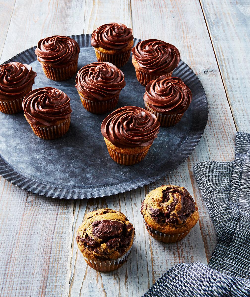 Тыквенно-шоколадные кексы с шоколадной глазурью