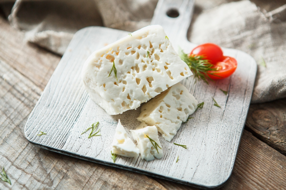 Попробуйте фермерский мягкий сыр