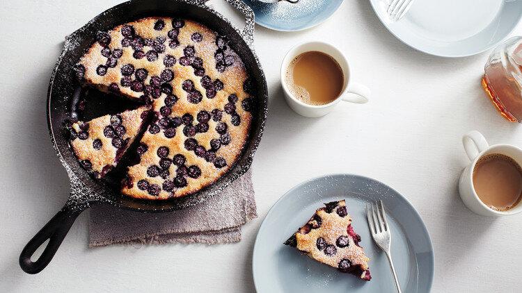 Простой черничный пирог