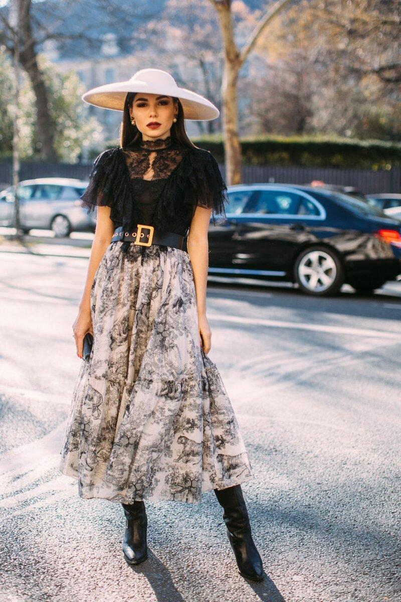 Fashion-блогер Карина Нигай всегда создает эффектные аутфиты. /Фото: s.yimg.com