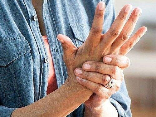 Медики названы добавки, помогающие облегчить боль при артрите