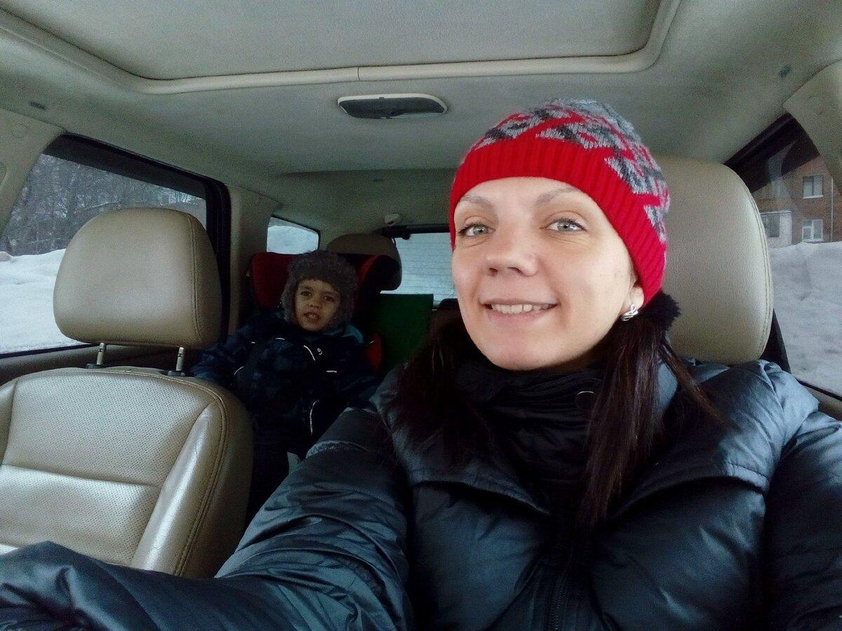 Ещё кемеровские фото. Мы с сыном прогреваем машину:)