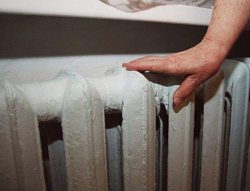 Как я спасаюсь зимой и осенью от ужасного холода в квартире без обогревателя. Показываю свое необычное приспособление