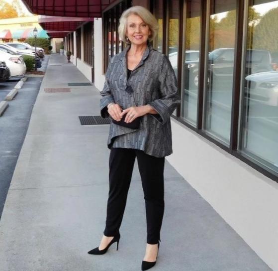 Какие должны быть вещи у женщины за 50, чтобы она выглядела молодо и превосходно в своем возрасте