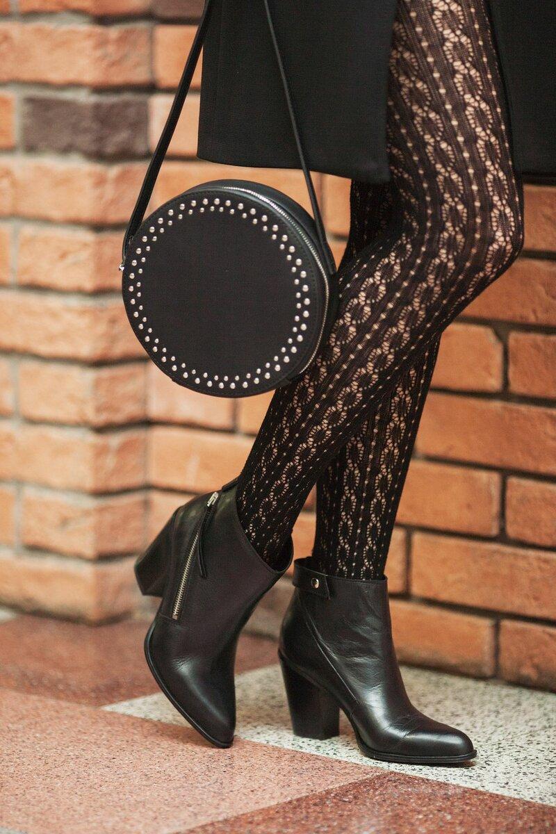 Ажурные колготки на женщине. /Фото: i.pinimg.com
