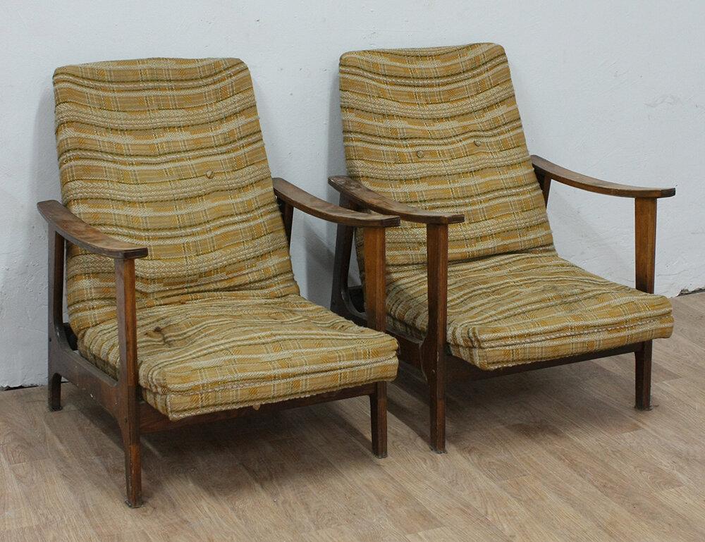 Вот такие примерно кресла стояли у кого-то до недавнего времени. Картинка из Яндекса.