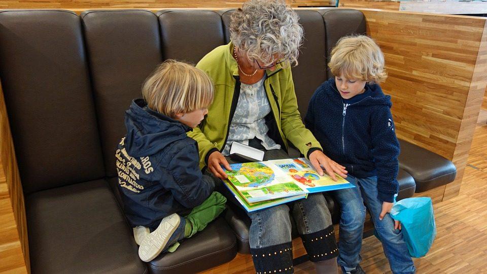 О связи между бабушками и внуками
